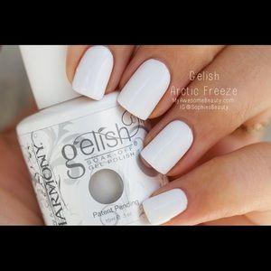 Gelish Arctic freeze gel polish